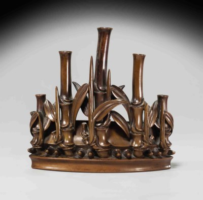 A FINELY CARVED BOXWOOD INCENS
