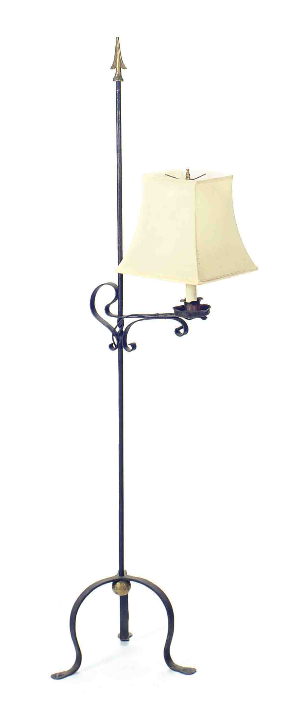 A BLACK AND GILT TOLE PEINTE FLOOR LAMP,