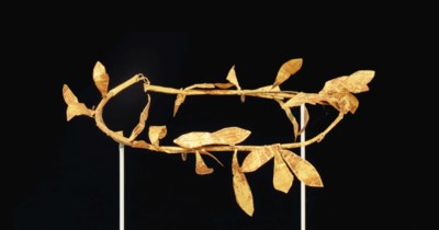 A GREEK GOLD WREATH