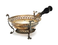 A GEORGE I SILVER CHAFING DISH STAND WITH TURNED WOOD HANDLE,