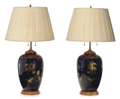 A PAIR OF FRENCH GILT AND BLAC