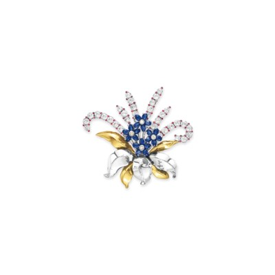 A RETRO COSTUME JEWELRY BROOCH