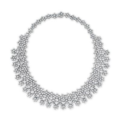 A DIAMOND NECKLACE, BY HOUSE O