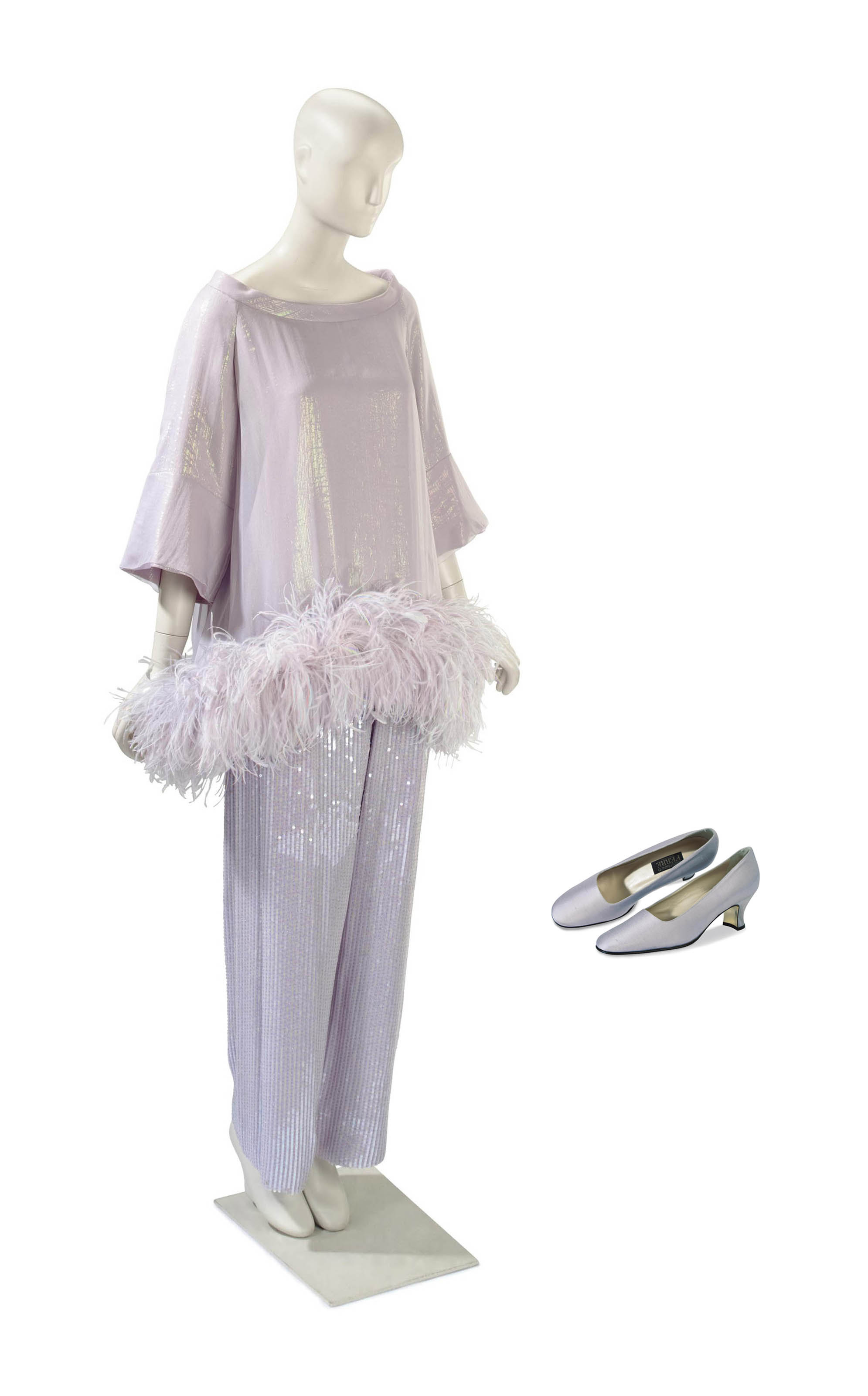 A GIANFRANCO FERRÉ EVENING LILAC TROUSER SUIT