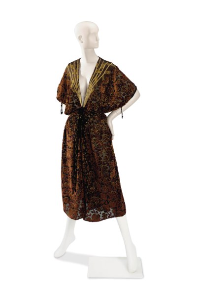 A THEA PORTER CAFTAN OF BURGUN