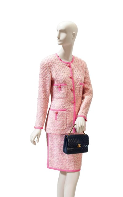 A CHANEL PINK AND WHITE WOOL B