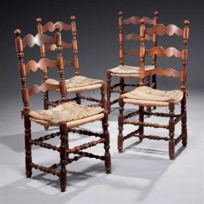 Suite de quatre chaises de sty