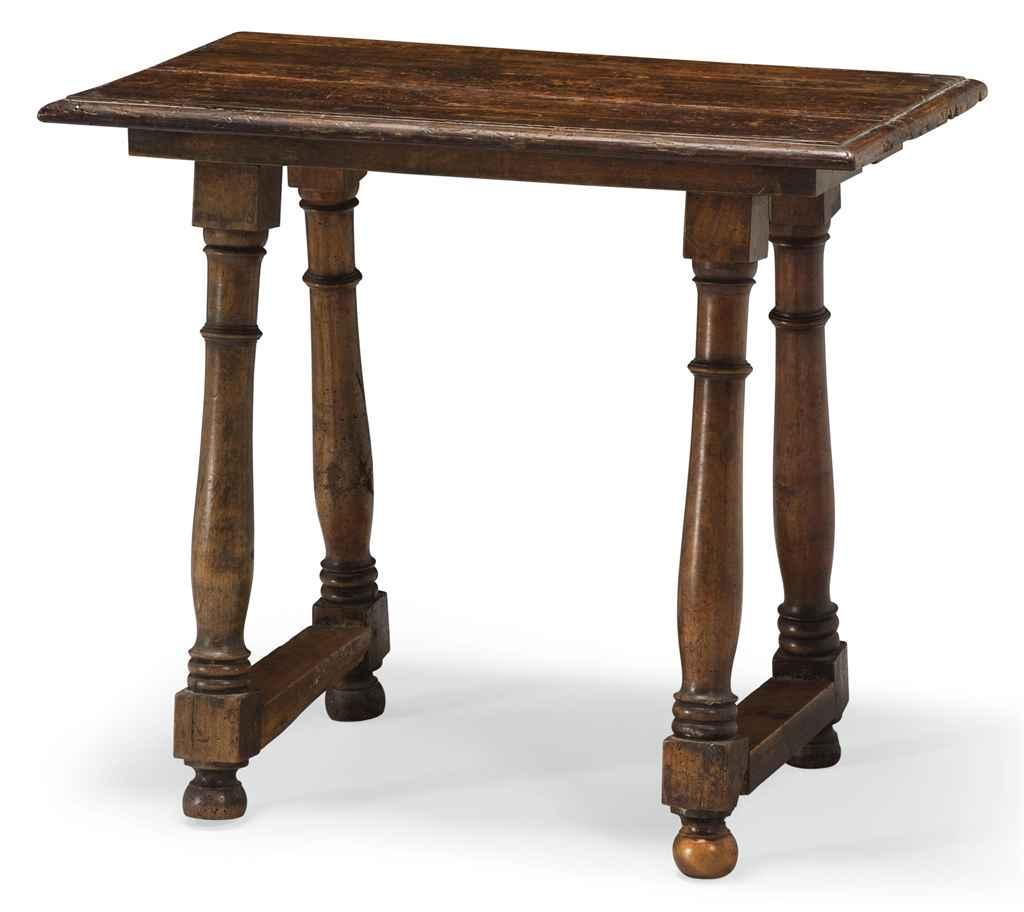 PETITE TABLE DE STYLE BAROQUE