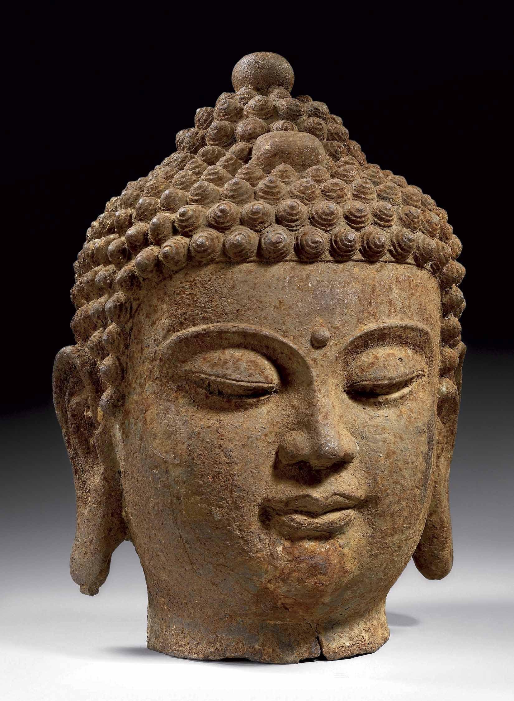 grande tete de bouddha en fonte de fer chine dynastie. Black Bedroom Furniture Sets. Home Design Ideas