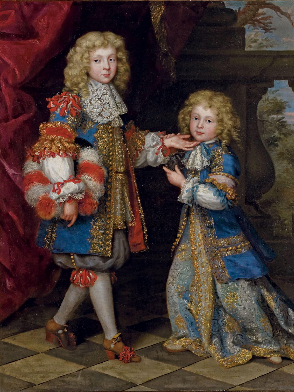 Portrait en pied de deux enfants