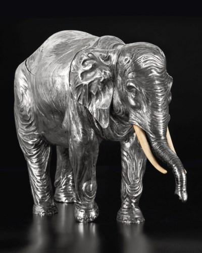 ELEPHANT EN ARGENT