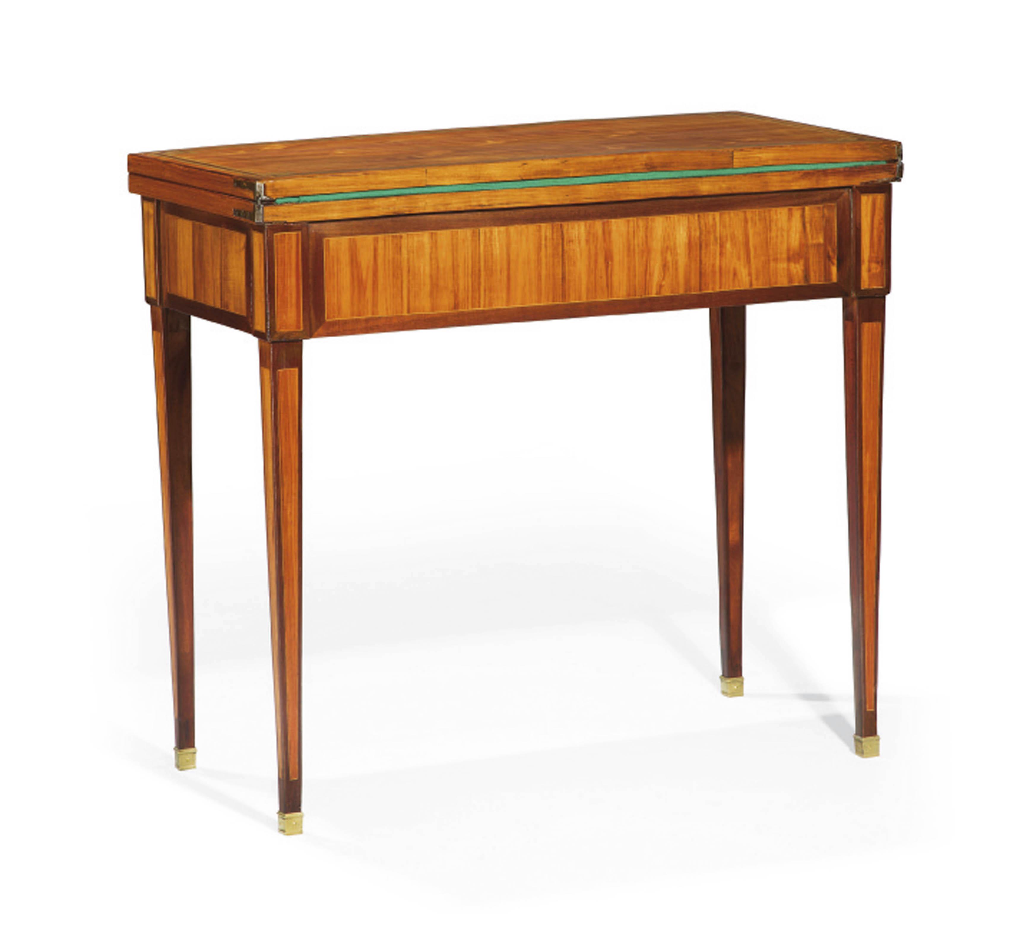 TABLE A JEUX D'EPOQUE LOUIS XVI