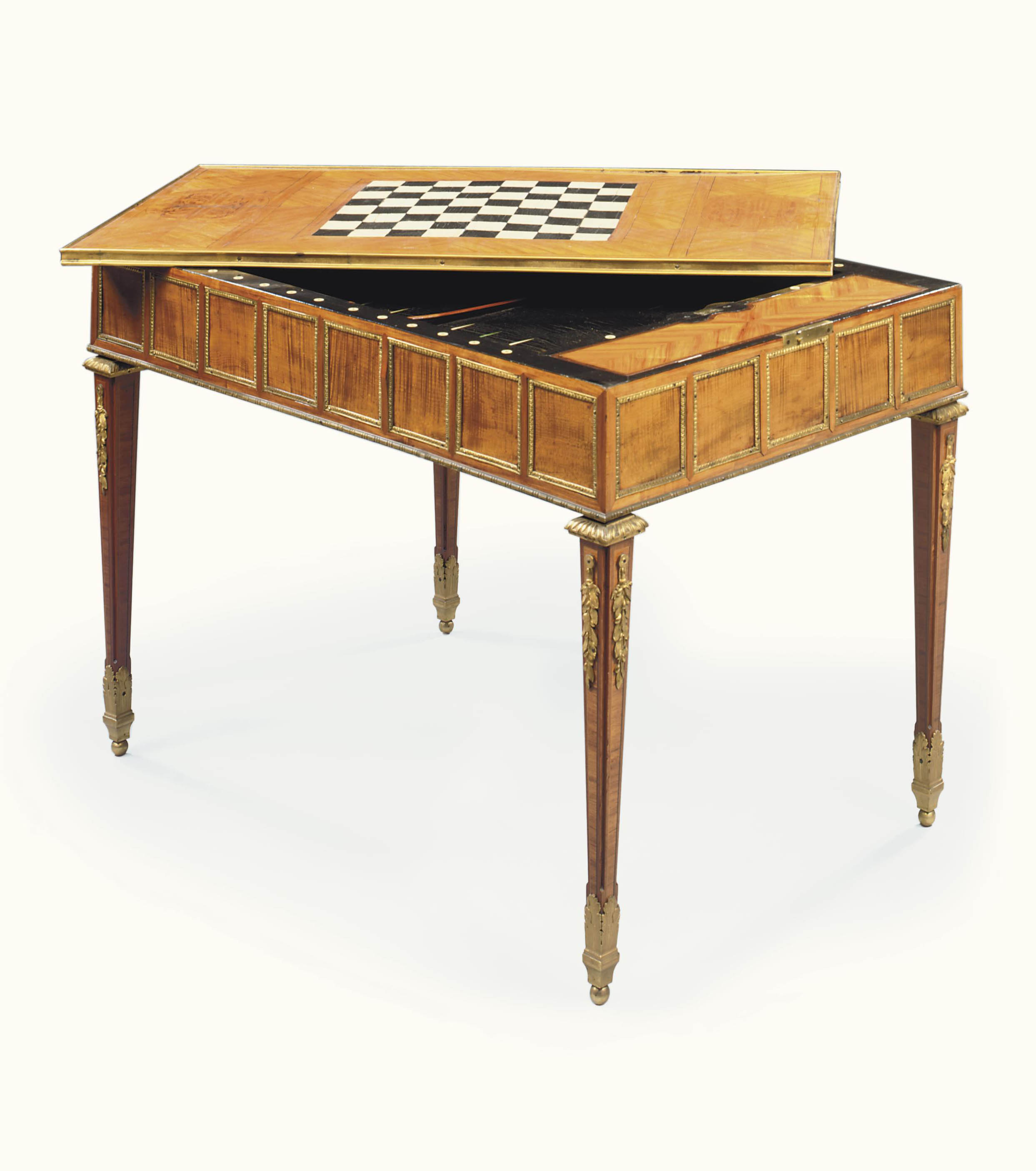 TABLE A JEUX D'EPOQUE LOUIS XVI