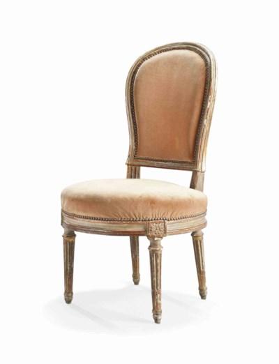 chaise en cabriolet d 39 epoque louis xvi attribuee a georges jacob troisieme quart du xviiieme. Black Bedroom Furniture Sets. Home Design Ideas
