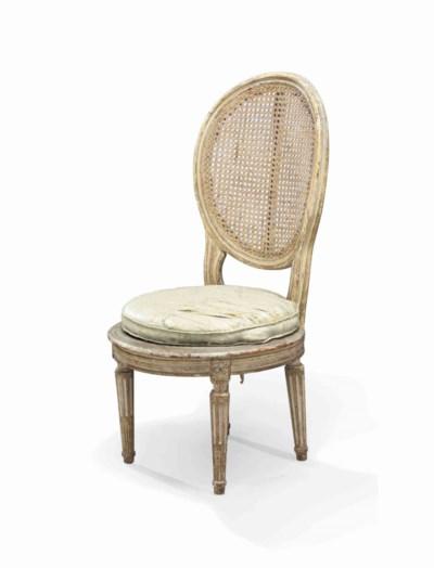 chaise en cabriolet d 39 epoque louis xvi fin du xviiieme siecle christie 39 s. Black Bedroom Furniture Sets. Home Design Ideas
