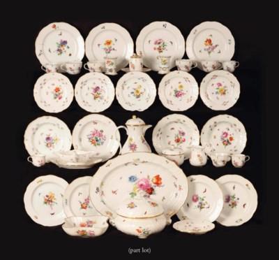 A Meissen porcelain part flora