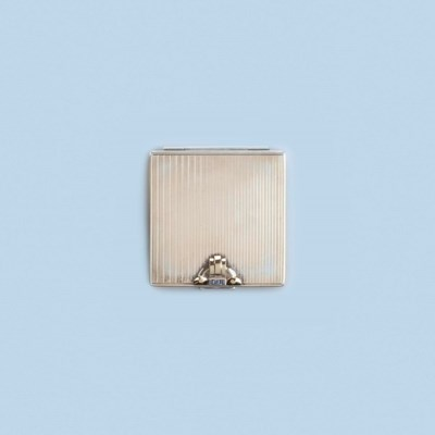 A POWDER COMPACT, BY CARTIER