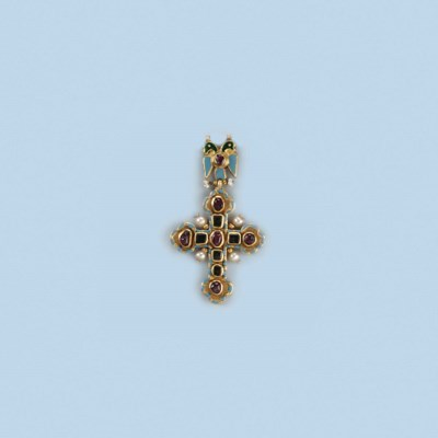 AN ENAMEL AND GEM SET CROSS PE