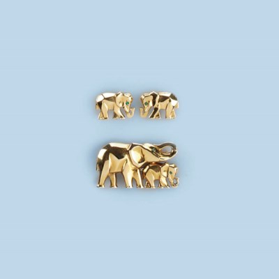 AN ELEPHANT BROOCH AND EARRING
