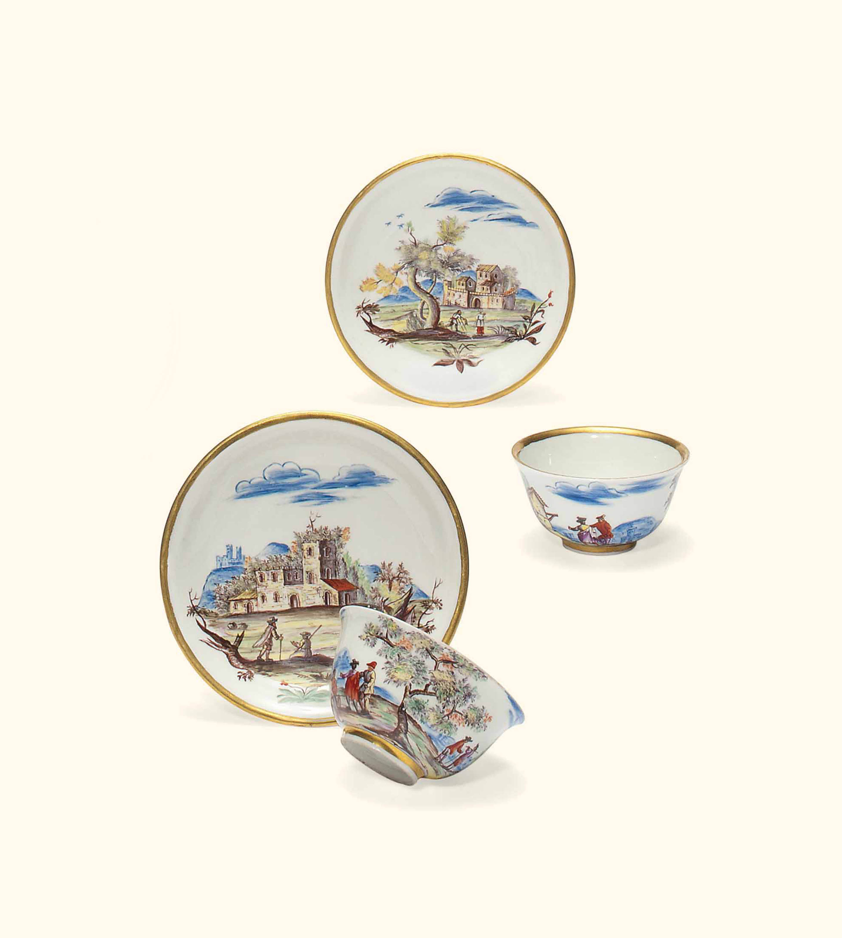 A PAIR OF VIENNA (DU PAQUIER) TEABOWLS AND SAUCERS
