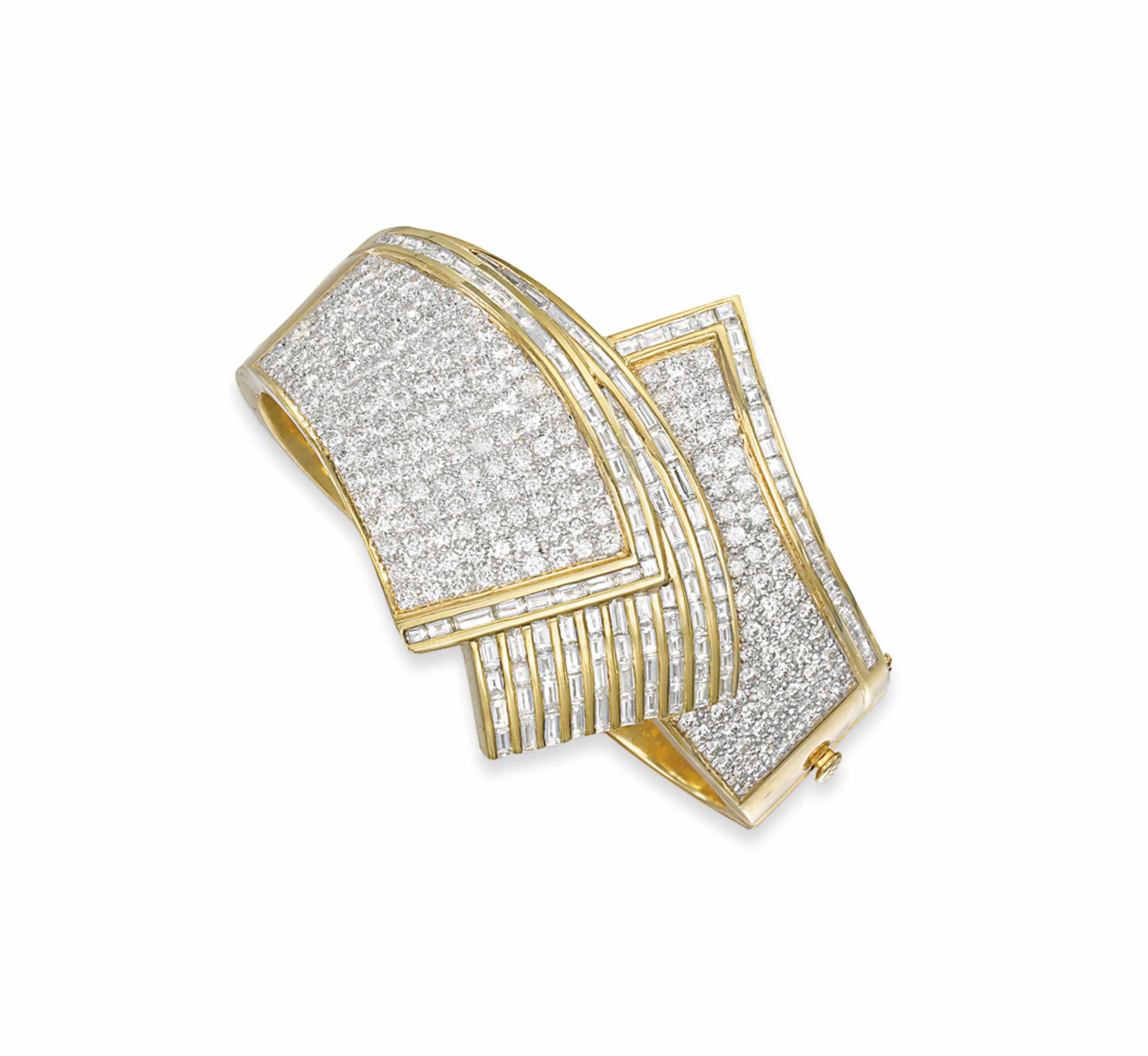 A DIAMOND CUFF BANGLE