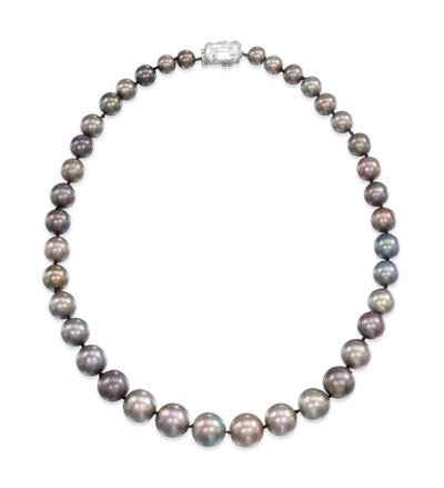 A RARE NATURAL PEARL NECKLACE
