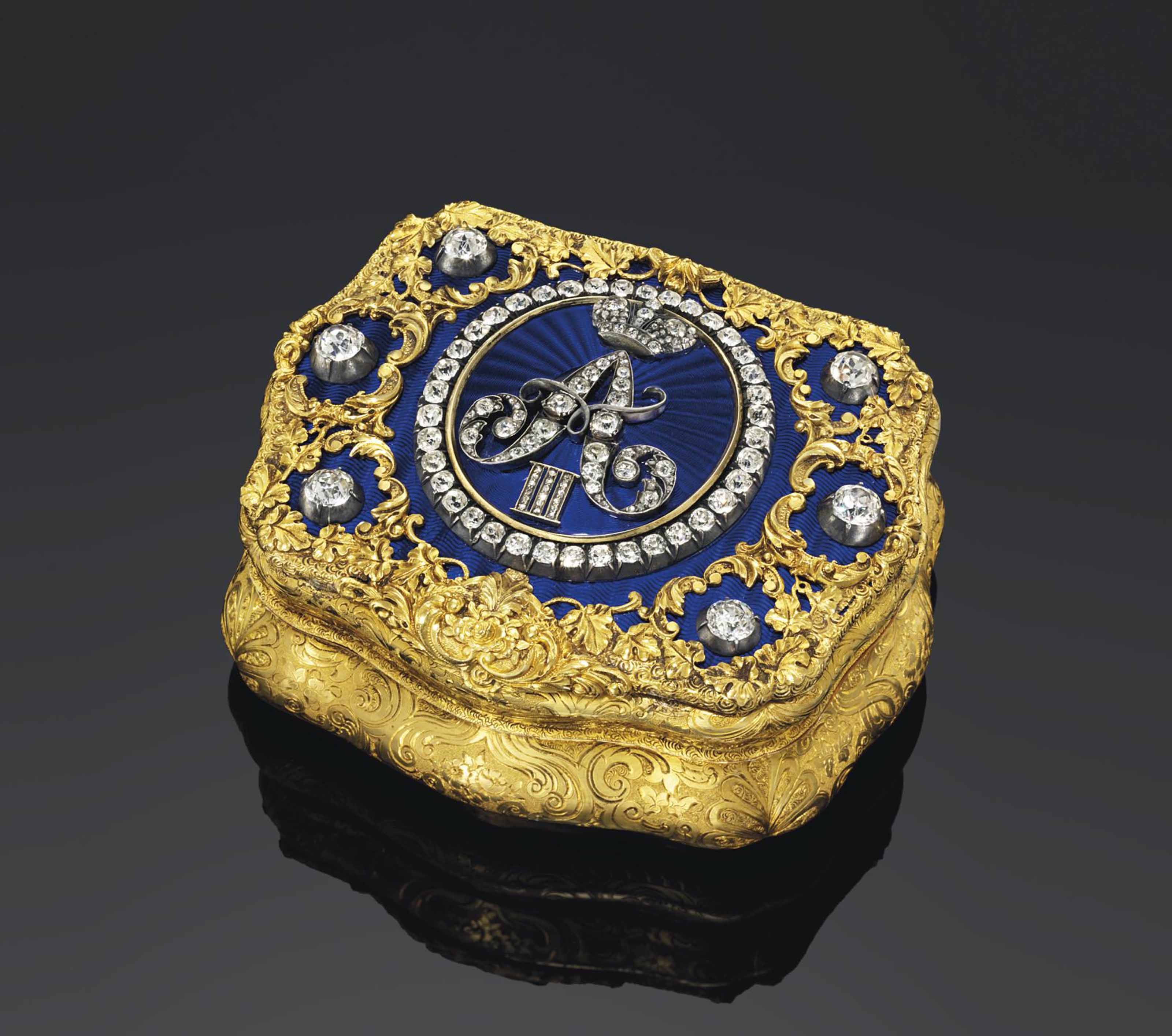A RUSSIAN IMPERIAL PASTE-SET ENAMELLED GOLD PRESENTATION SNUFF-BOX
