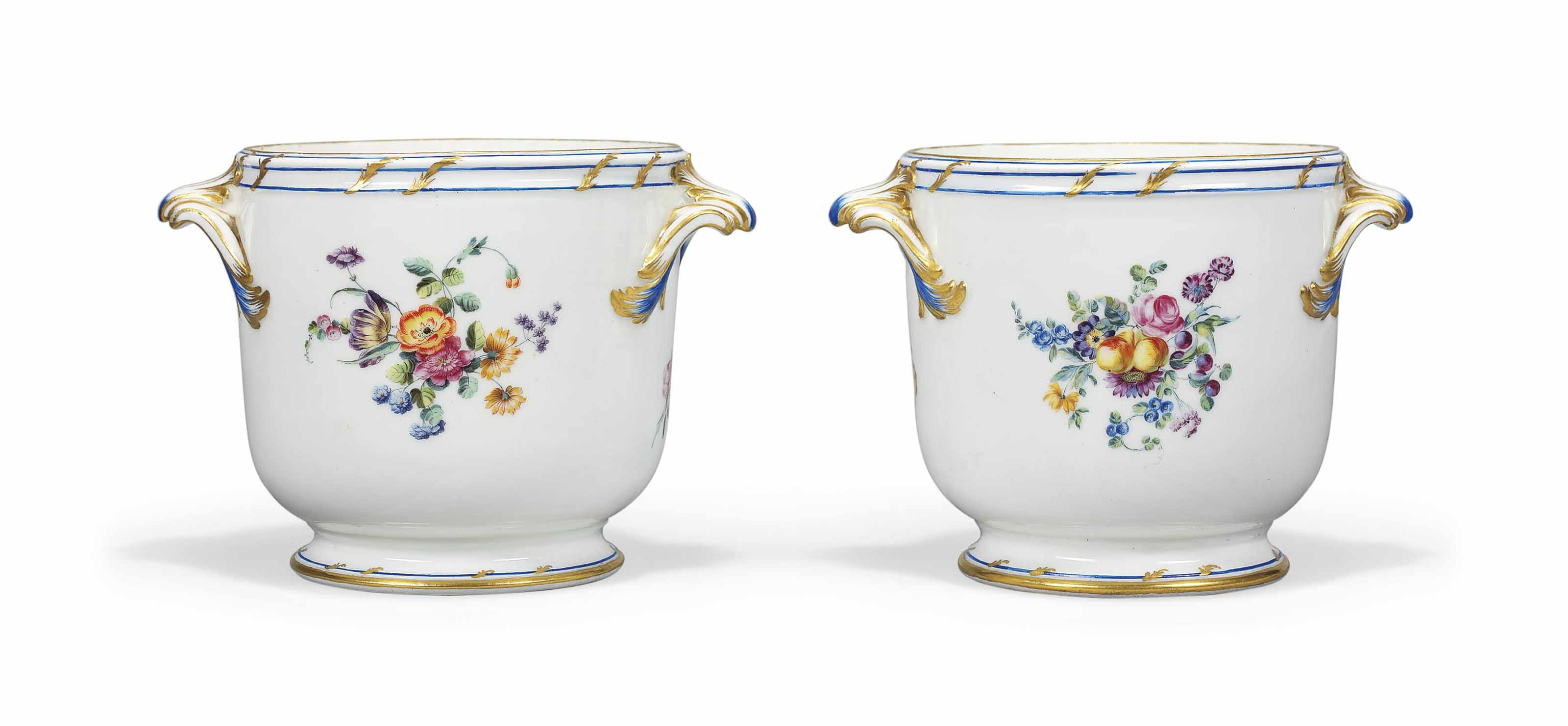 A PAIR OF VINCENNES BOTTLE-COO