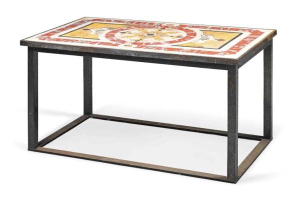 AN ITALIAN MARBLE CENTRE TABLE