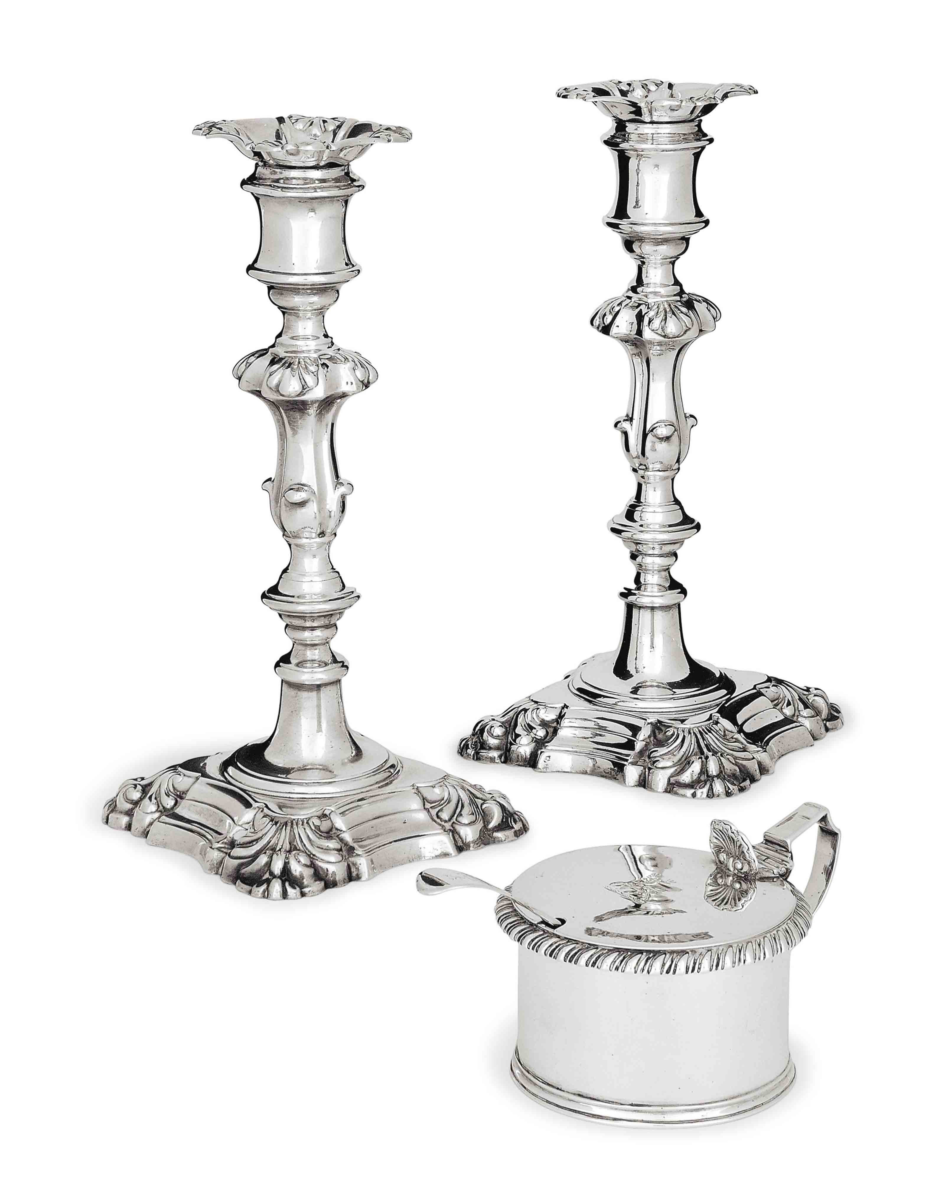 A PAIR OF GEORGE IV SILVER CANDLESTICKS