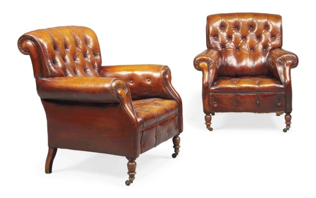 A PAIR OF FRENCH BUTTONED LEAT