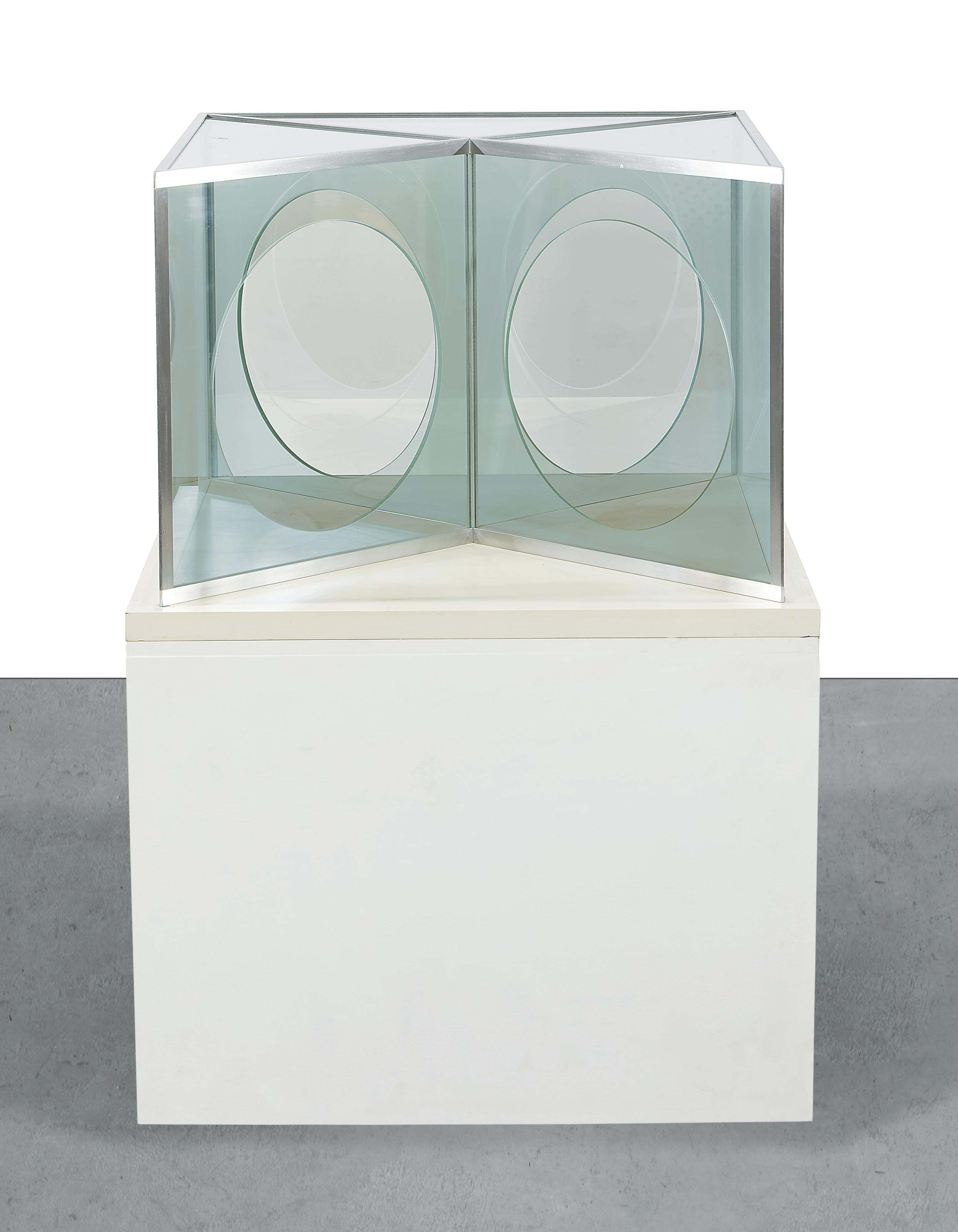 Pavilion Influenced by Moon Windows