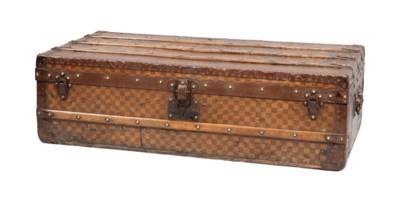 A CABINE TRUNK IN DAMIER CANVA