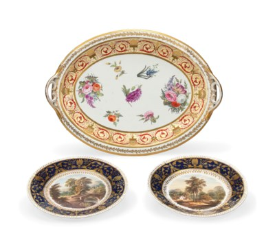 A DERBY TWO-HANDLED OVAL TRAY