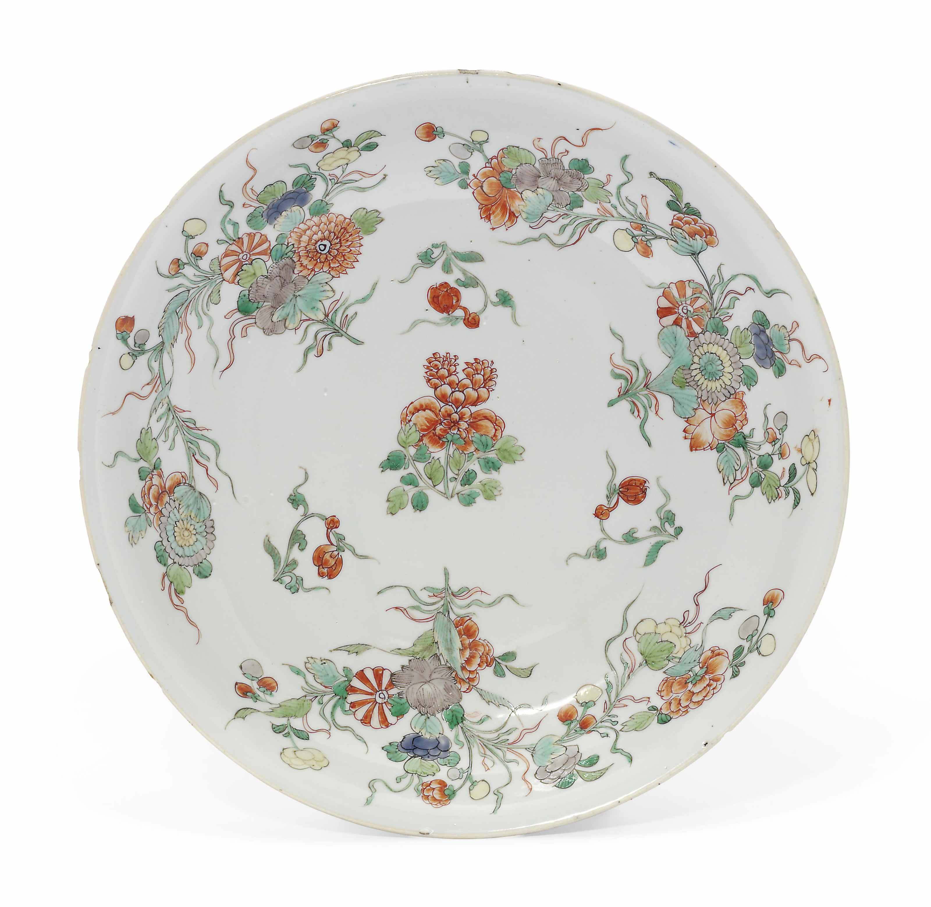 A LARGE CHINESE FAMILLE VERTE DISH