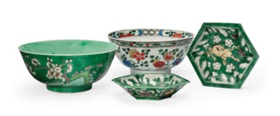 TWO CHINESE FAMILLE VERTE BOWL