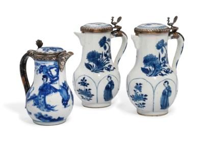 THREE CHINESE BLUE AND WHITE M