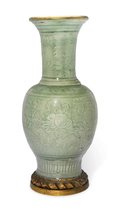 A CHINESE CELADON VASE WITH OR
