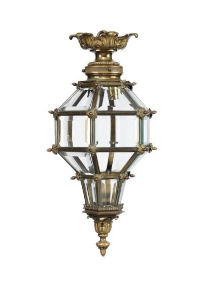 A LOUIS XIV STYLE HEXAGONAL GI