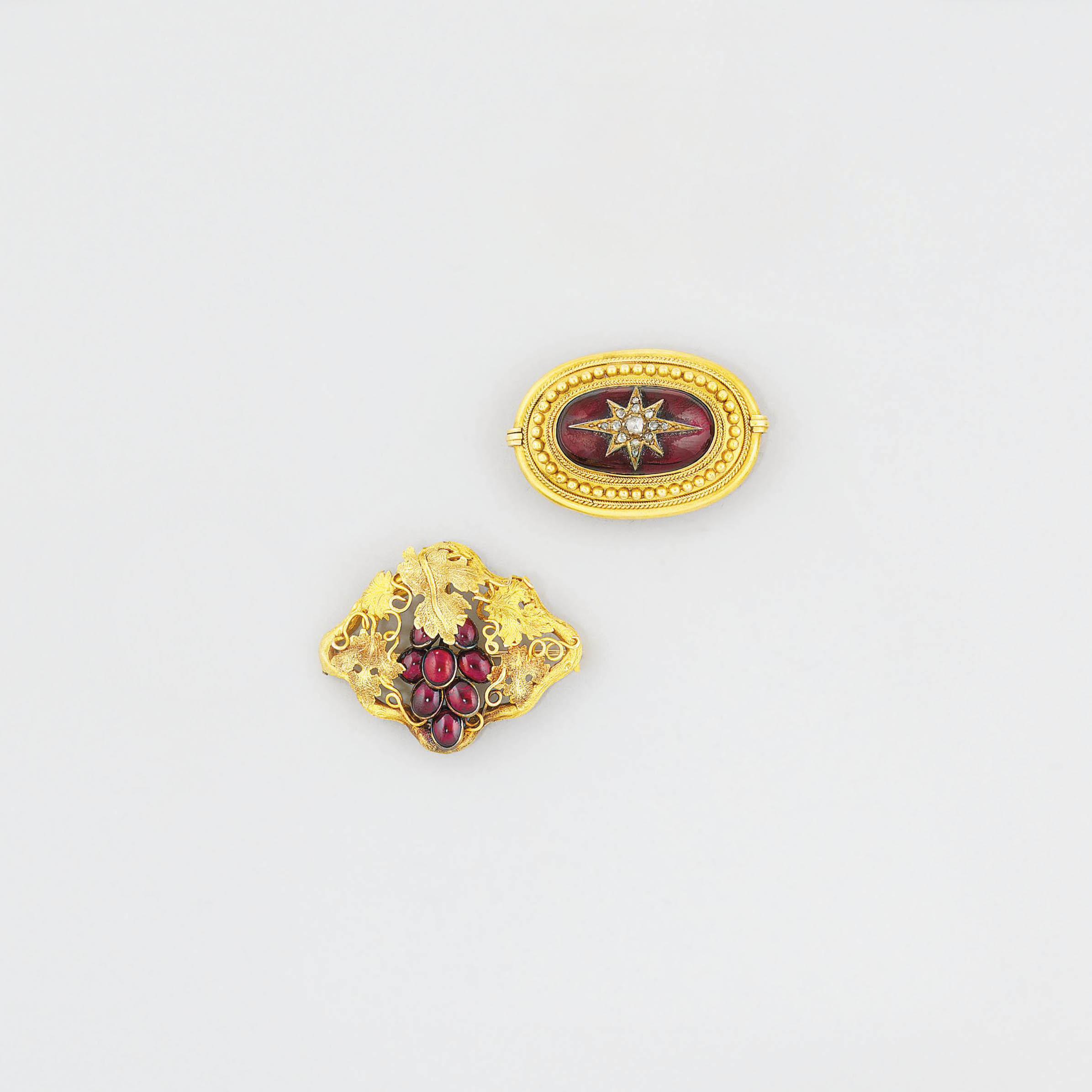 A 19th century garnet-set bang