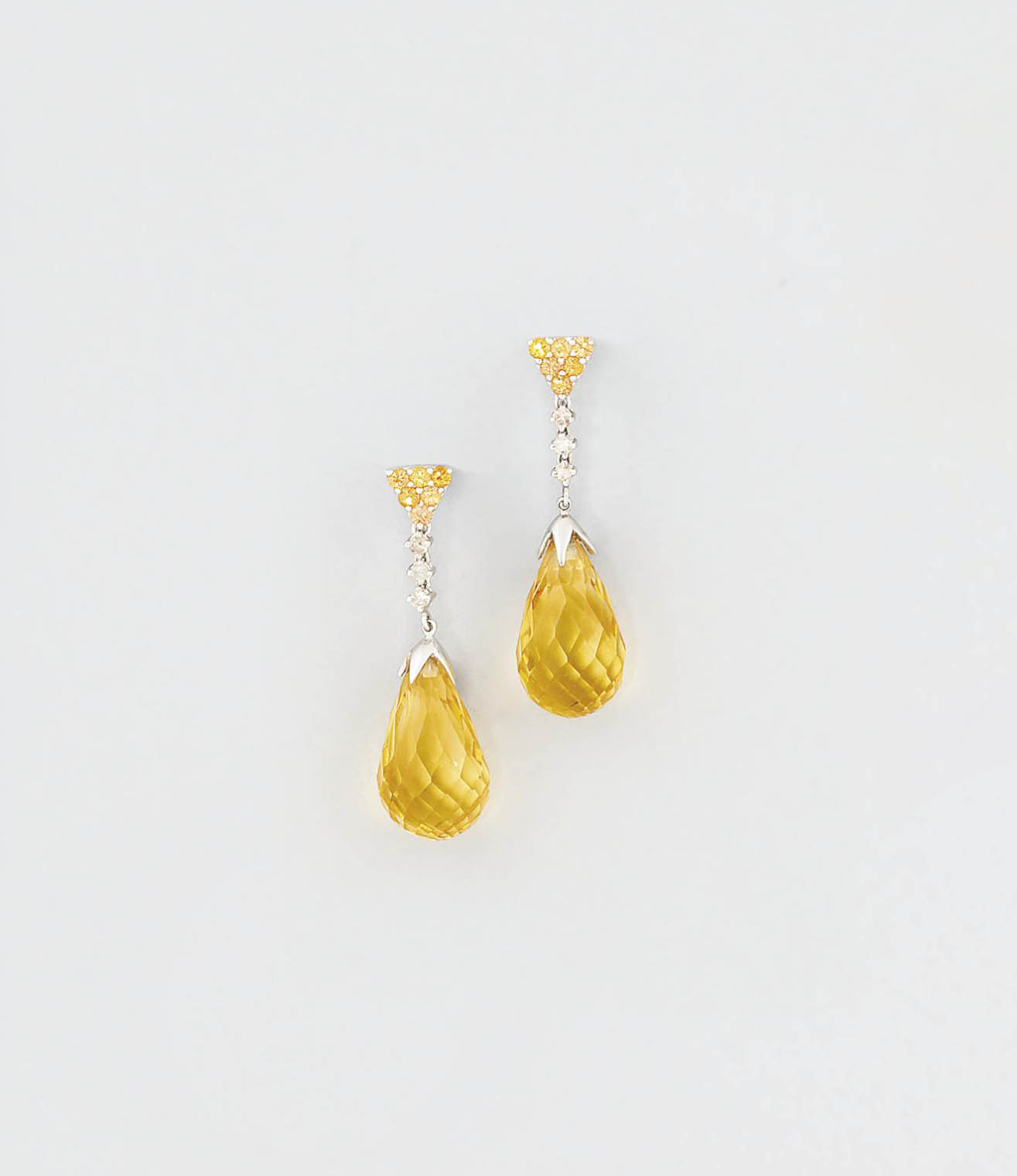 A pair of yellow sapphire, cit