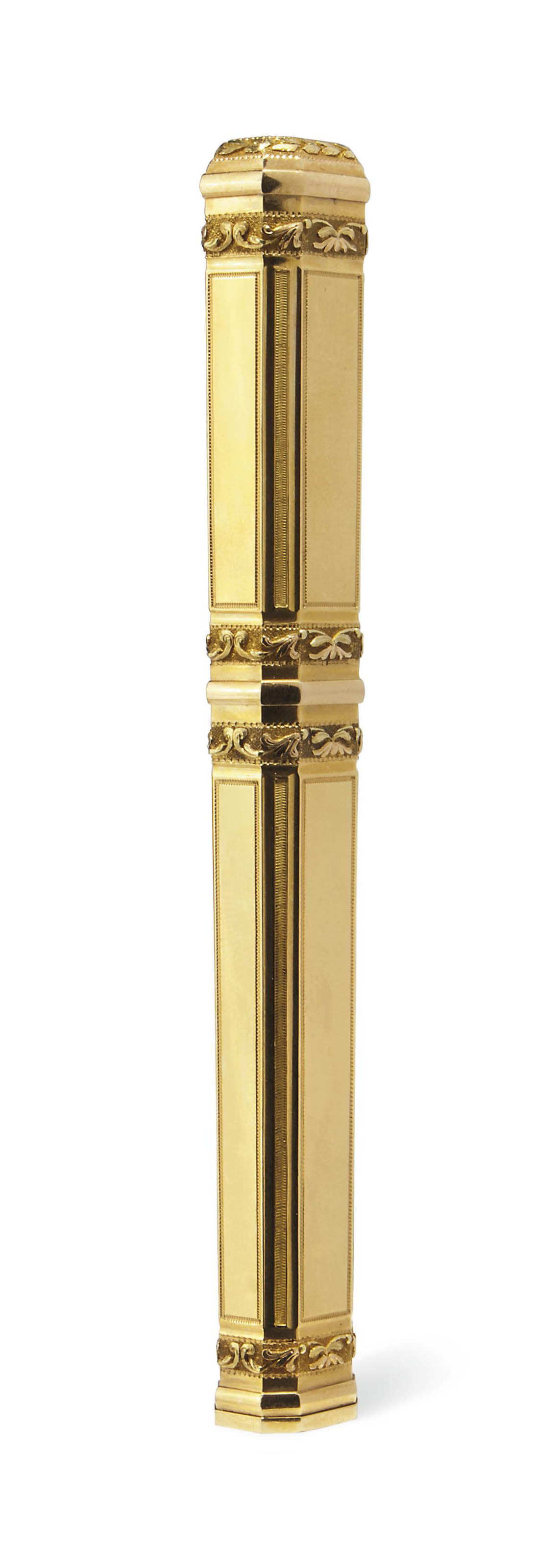 A FRENCH TWO-COLOUR GOLD SEALING WAX HOLDER