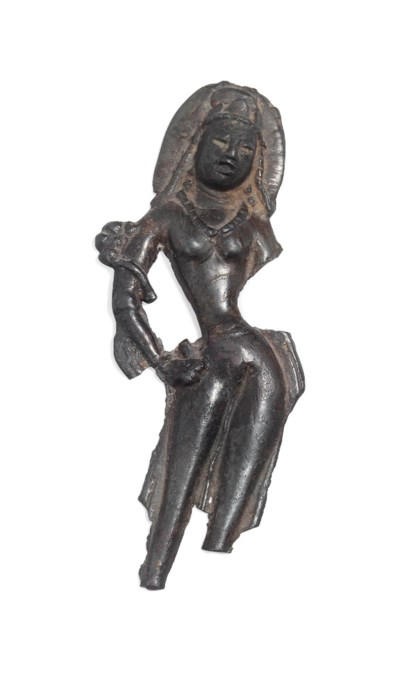 A BRONZE FIGURE OF A DIVINITY