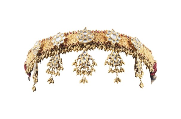 A GOLD AND DIAMOND HEADDRESS