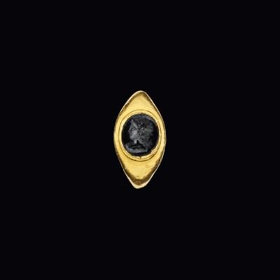 A ROMAN GOLD AND BLACK JASPER