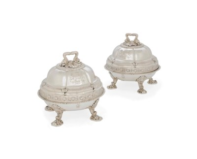A PAIR OF GEORGE III SILVER VE
