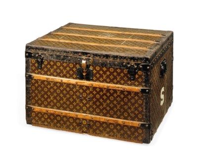 A BOX TRUNK IN MONOGRAM CANVAS
