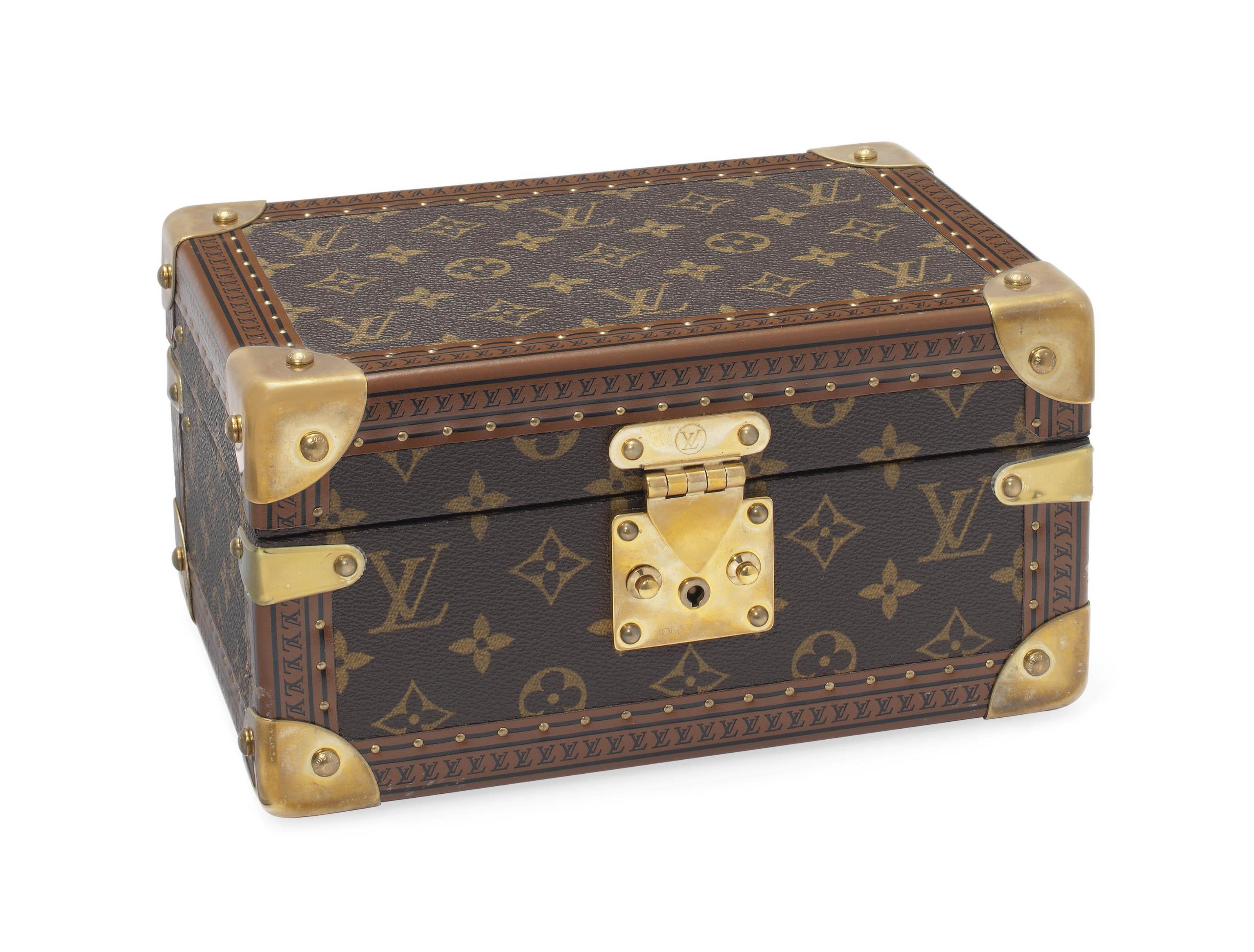 A JEWELLERY BOX IN MONOGRAM CANVAS LOUIS VUITTON 20TH CENTURY