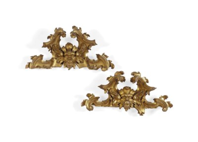 A PAIR OF ITALIAN GILTWOOD CRE