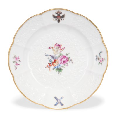 A MEISSEN LOBED PLATE FROM THE